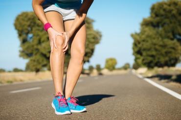 Runner training knee pain